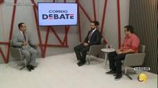 Da esq. para a dir.: Apresentador Hermes Luna; Aaron Campos; Prof. Marcel de Góis (DEP/UFPB)